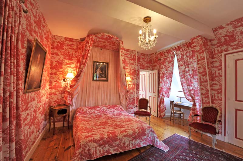 chateau de vollore chambre hote rose2 ch teau de vollore chambres d 39 h tes auvergne. Black Bedroom Furniture Sets. Home Design Ideas